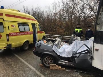 ДТП на Ангарском перевале в Крыму: В аварии с троллейбусом погибли четыре человека