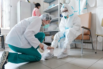 Ищут врачей, а платить готовы айтишникам: как пандемия изменила рынок труда