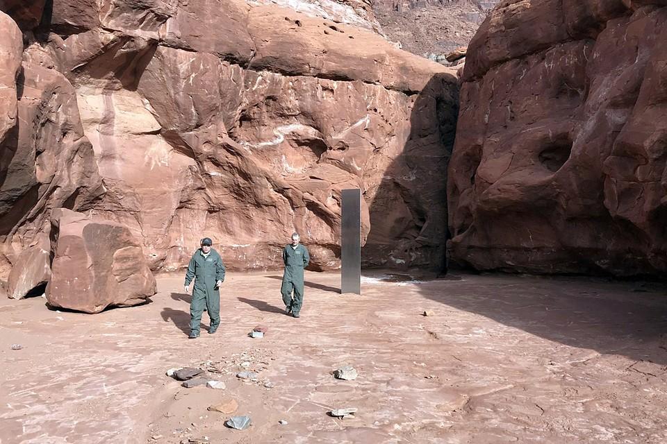 Куда мог пропасть таинственный монолит, обнаруженный в пустыне штата Юта