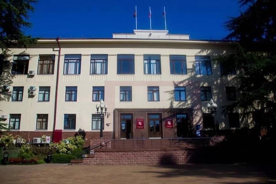 В мэрии Сочи управляющим делами стал Артем Оськин