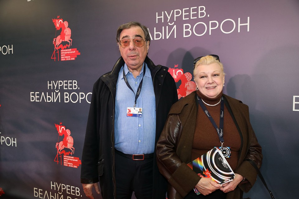Дочь актрисы Светланы Харитоновой рассказала, как ее пытались обмануть Наталья Дрожжина и Михаил Цивин.