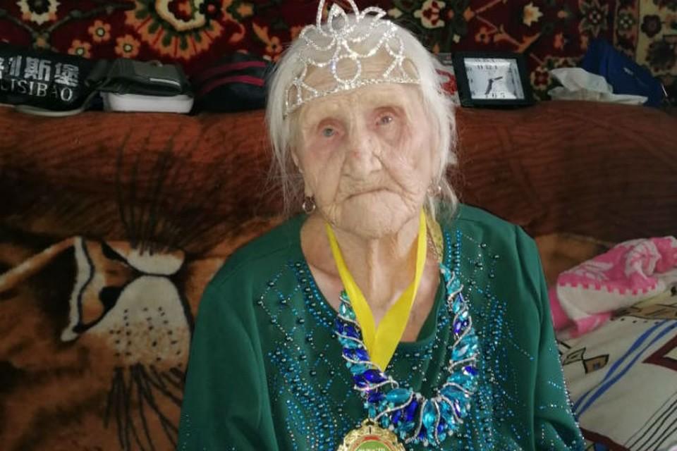 101-летняя сибирячка, не зная о существовании коронавируса, переболела и победила его