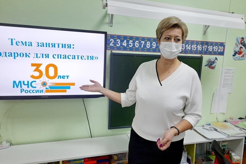 Дошкольники Югорска готовят сюрприз для сотрудников МЧС Фото: ГУ МЧС России по ХМАО-Югре