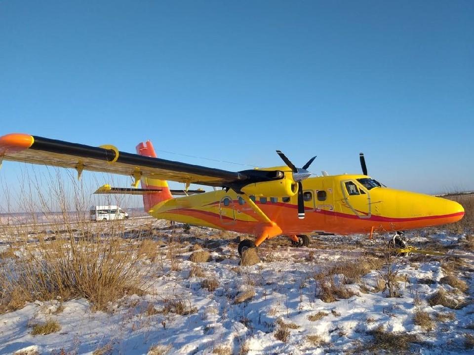 В аэропорту Красноярска самолет выкатился за пределы взлетно-посадочной полосы. Фото: Красноярская транспортная прокуратура