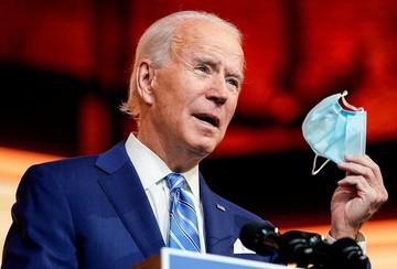Байден, Обама, Буш и Клинтон заявили о готовности к публичной вакцинации от коронавируса