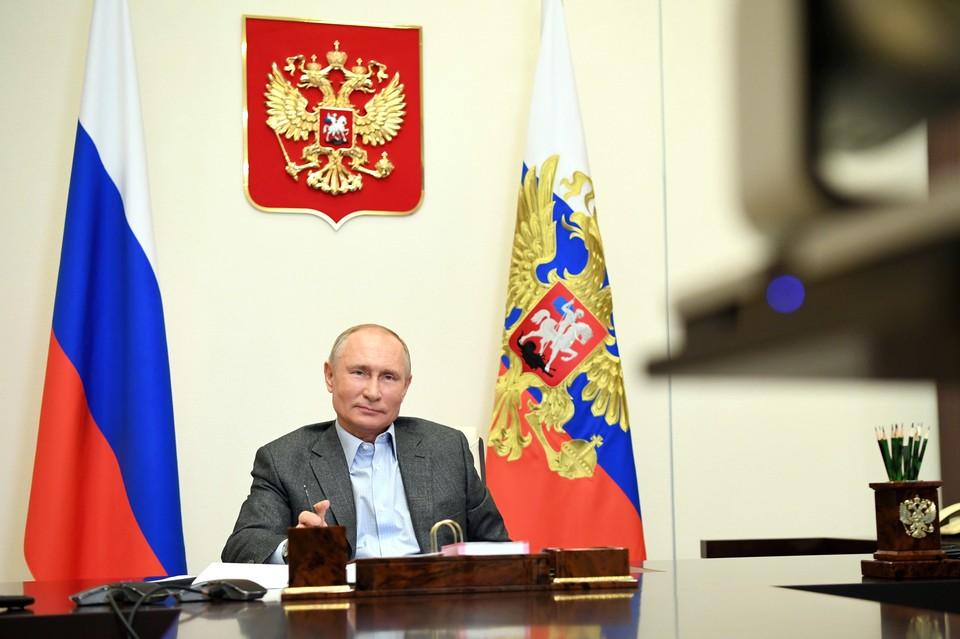 Путин пообещал отвести одного мальчика к панде, а другого на новогодний каток