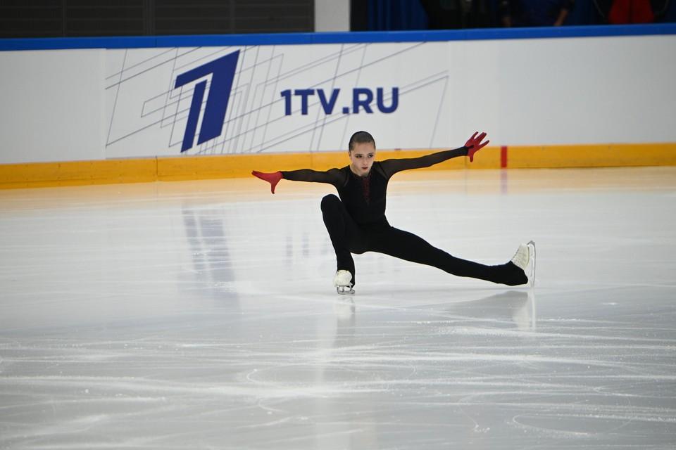 Фигуристка Валиева превзошла мировой рекорд в короткой программе на этапе Кубка России