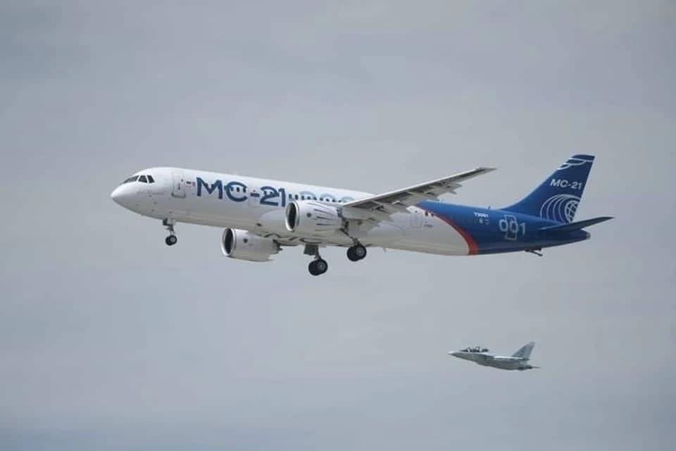 Самолет МС-21-310 прошёл испытания с российским двигателем. Фото: Официальная страница Дмитрия Рогозина в соцсетях