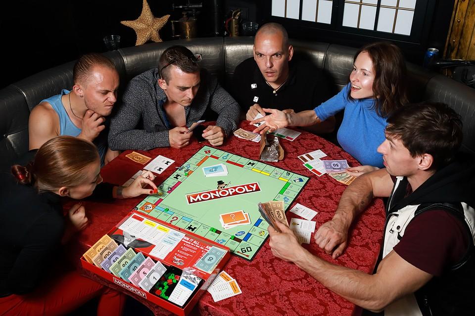 Если вам кажется, что «Монополия» - слишком скучный или очевидный вариант, то вы явно давно не были в магазинах настольных игр