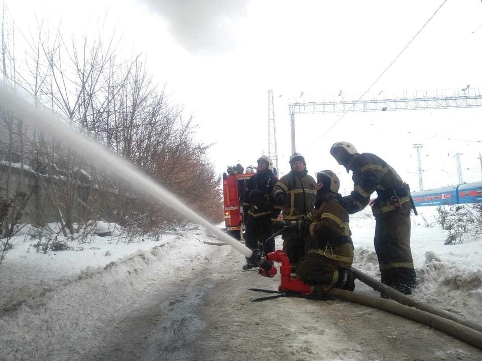 Пожар на Самарском подшипниковом заводе локализовали на площади в 3,5 тыс. кв метров
