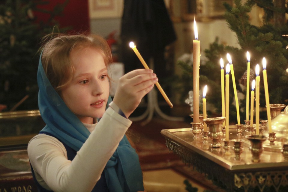 Из-за коронавируса на рождественские службы сибиряков не пустят.