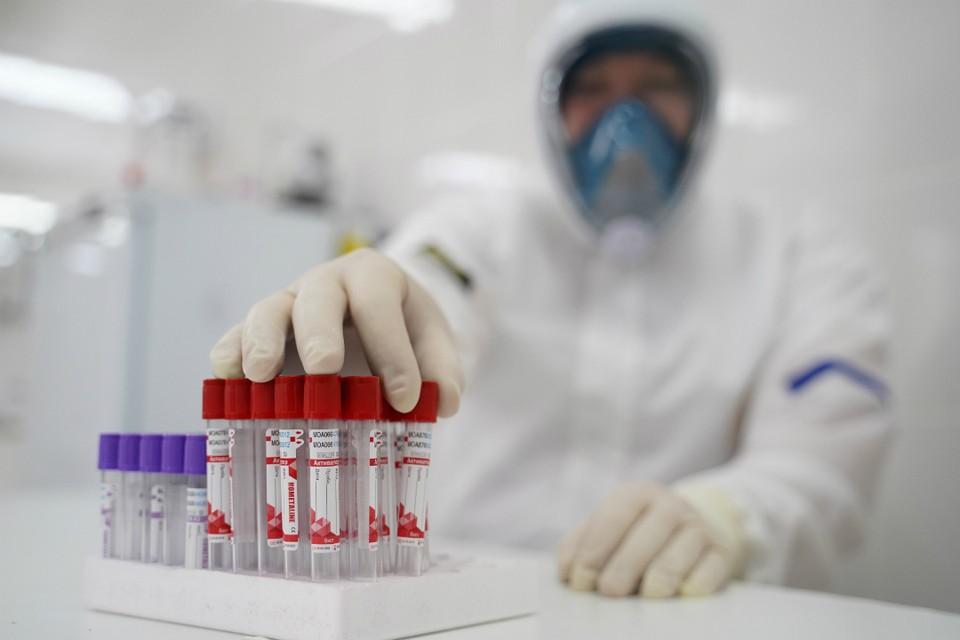 Ежедневно кировские врачи выявляют свыше 200 новых заразившихся коронавирусом.