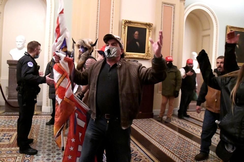 Власти Вашингтона завели 40 уголовных дел по фактам беспорядков в конгрессе