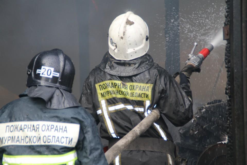 Языки пламени уже потушили. Фото: vk.com/spasinfo51
