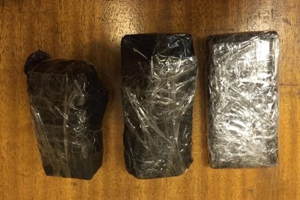 Молодого севастопольца задержали с 15 свертками наркотических средств. Фото: архив КП