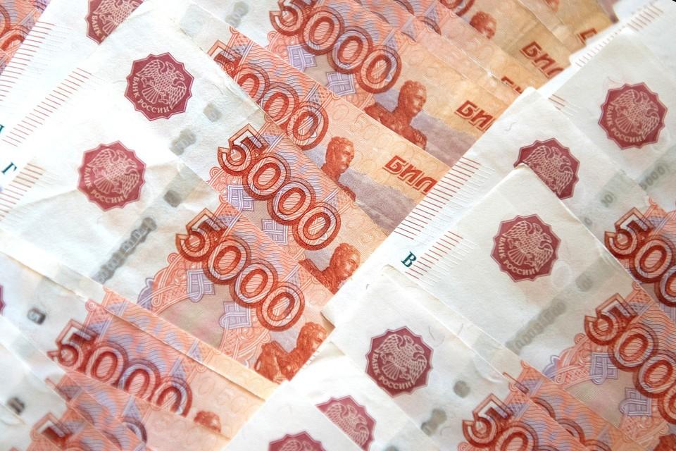 С учетом инфляции в 4,9% реальная доходность депозита в рублях составила всего 2,4%.