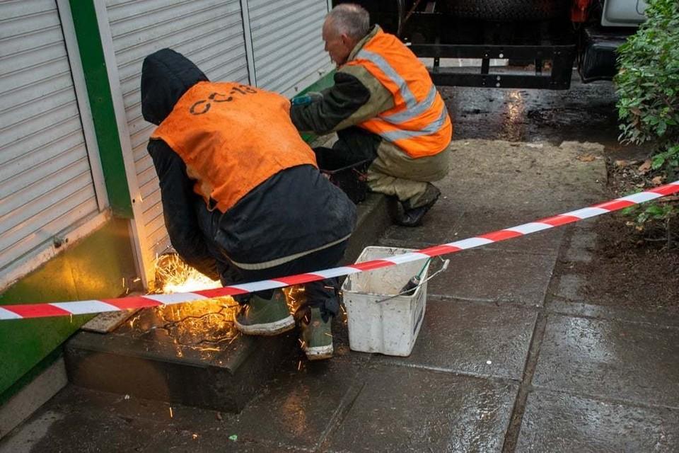 В Ялте начался демонтаж нелегальных торговых объектов. Фото: Янина Павленко / Facebook