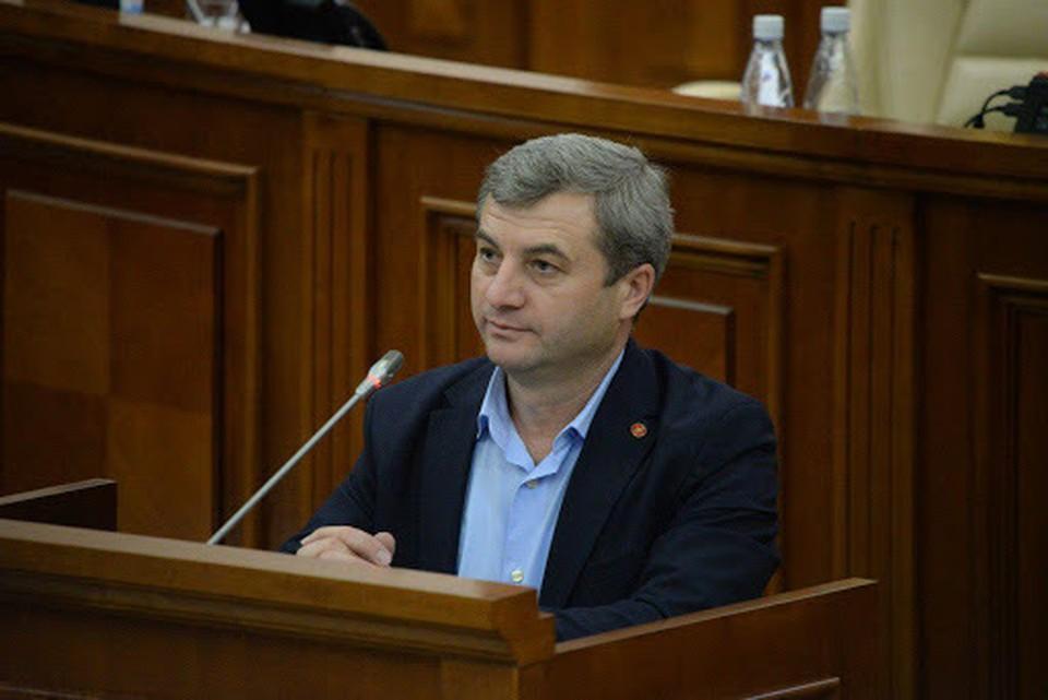 Корнелиу Фуркулицэ отметил что интересы граждан Республики Молдова и всей страны должны быть приоритетными для властей. Фото:aif.md