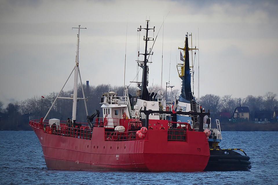 По данным Ространснадзора, судно было технически готово к промыслу в осенне-зимний период, а предварительной версией причины трагедии называют сильное обледенение ярусолова.