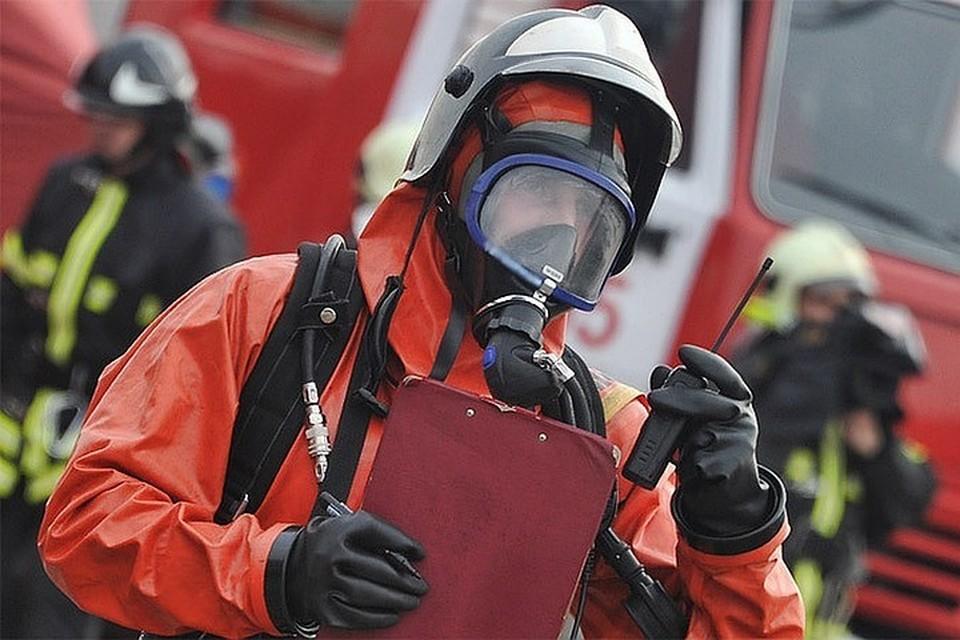 При пожаре в доме в Хабаровске погибли трое взрослых и двое детей