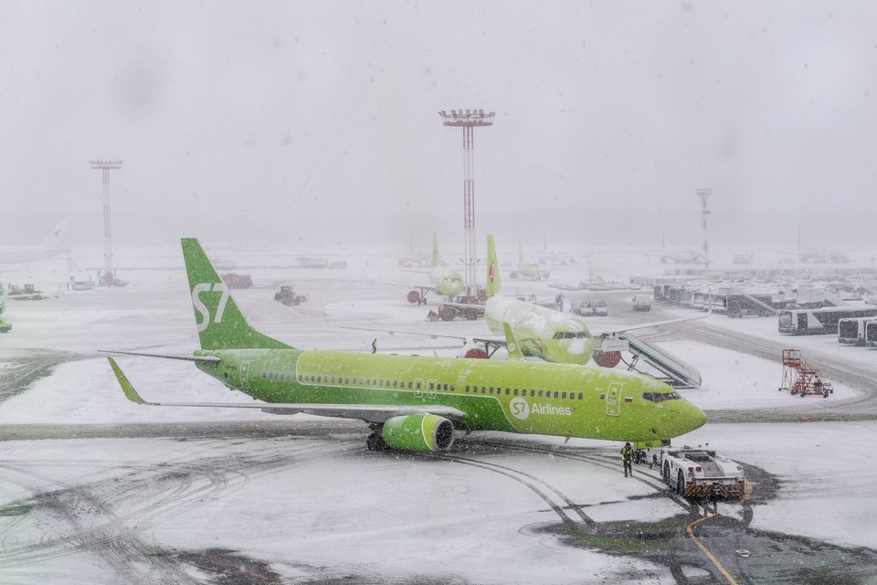Нижегородский аэропорт работает в штатном режиме в условиях снегопада.