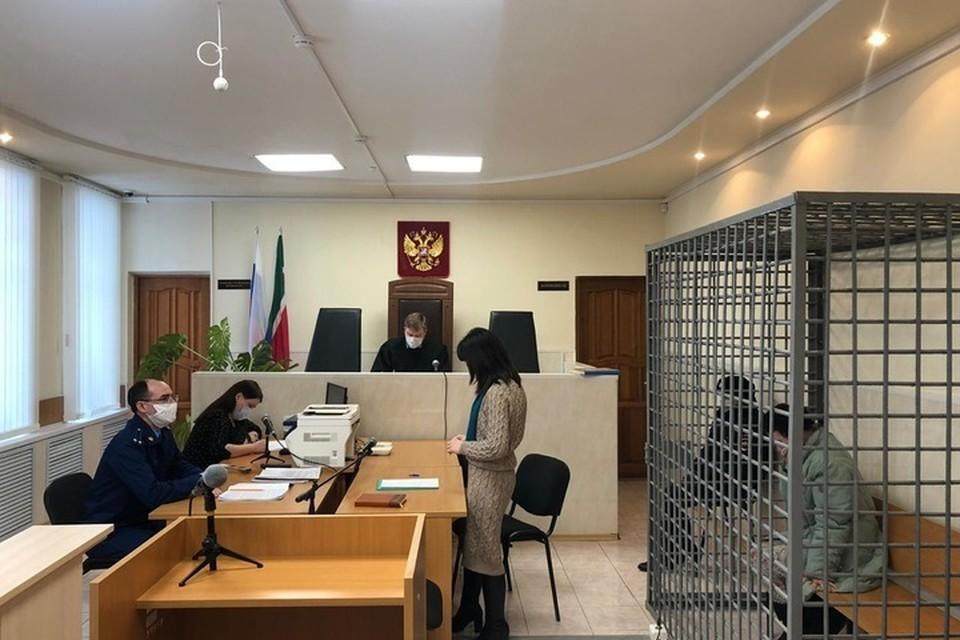 На судебном заседании обвиняемая расплакалась. Фото: пресс-служба прокуратуры Татарстана