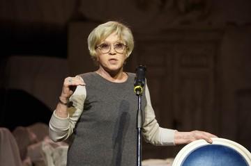 «Прогресса нет»: у Алисы Фрейндлих нашли отклонение, мешающее вылечиться от коронавируса
