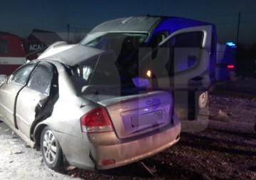 Под Оренбургом в аварии с микроавтобусом погибла целая семья