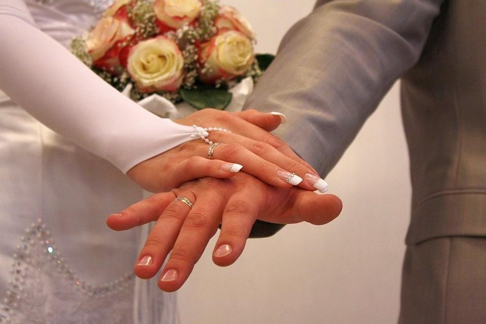 """""""Красивую"""" дату для бракосочетания выбрали более 80 пар Перми."""