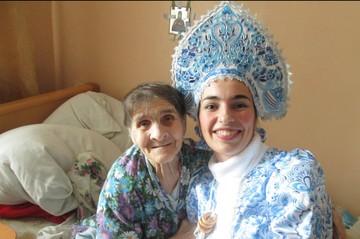 """""""Письмо - это настоящее сокровище"""": """"Внуки по переписке"""" помогают старикам из домов престарелых бороться с одиночеством"""