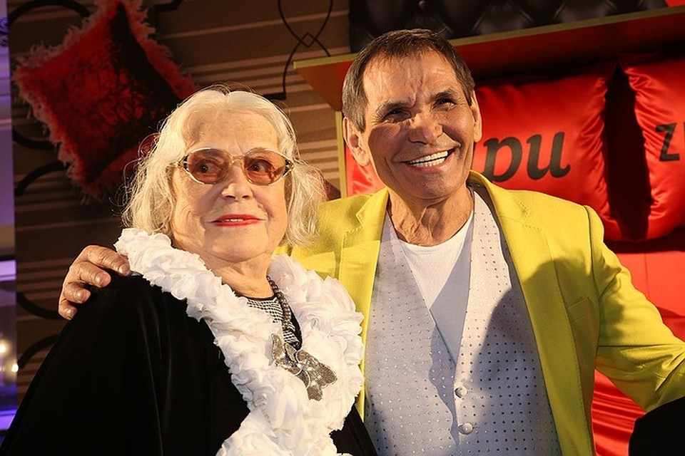 Бари Алибасов с женой.