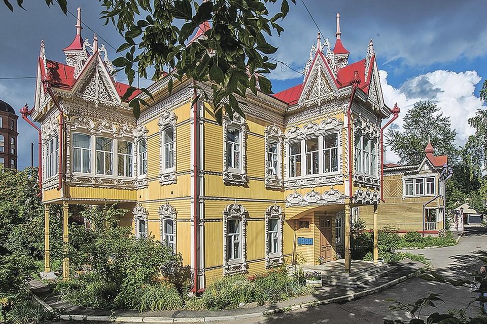 «Дом с жар-птицами» - один из красивейших в Томске. Фото: Иван ХАФИЗОВ