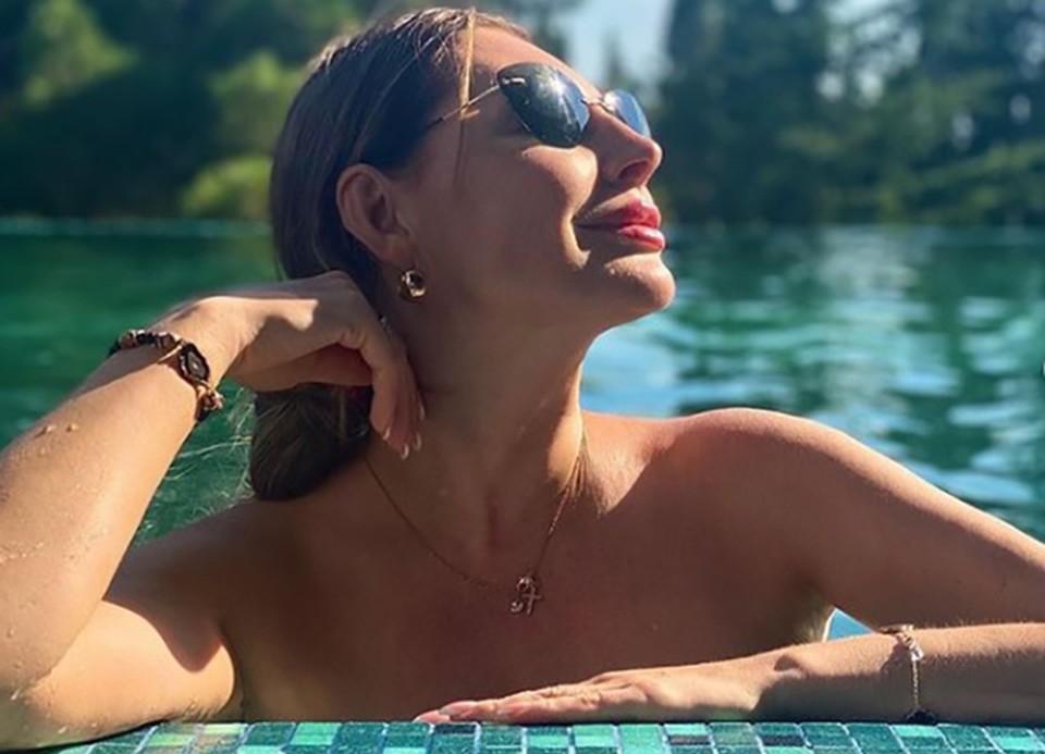 Наталья Бочкарева: горячие фото звезды сериала «Счастливы вместе». ФОТО: https://www.instagram.com/p/CDvhsKKJYNB/