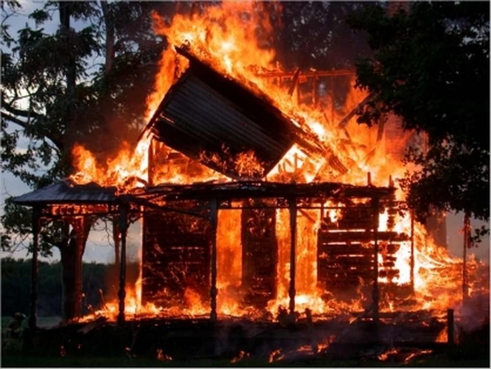 Накануне в Удмуртии загорелось сразу два дома в разных районах республики Фото: пресс-служба СУ СК по Удмуртии