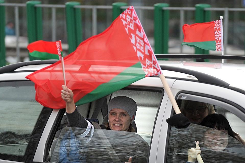 Разбираемся с экспертом, чем для белорусов евразйская интеграция будет отличаться от проевропейского пути
