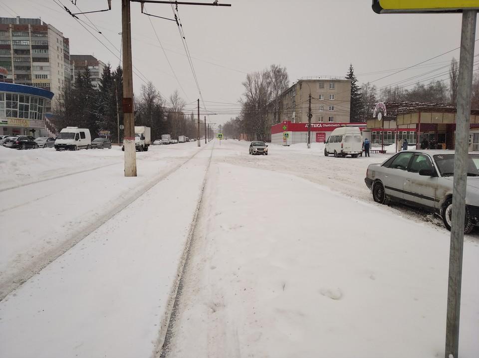 В Курске продолжается снегопад