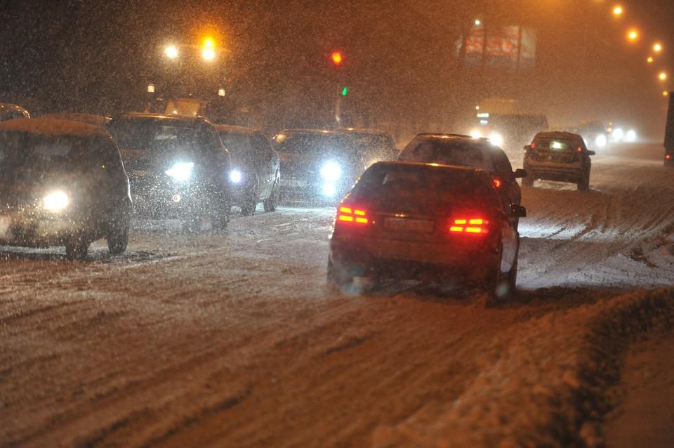 Серьезные заторы наблюдаются в Нижнем Новгороде утром 10 февраля.