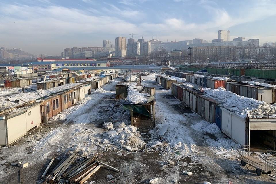 Во Владивостоке сносят рынок на Спортивной
