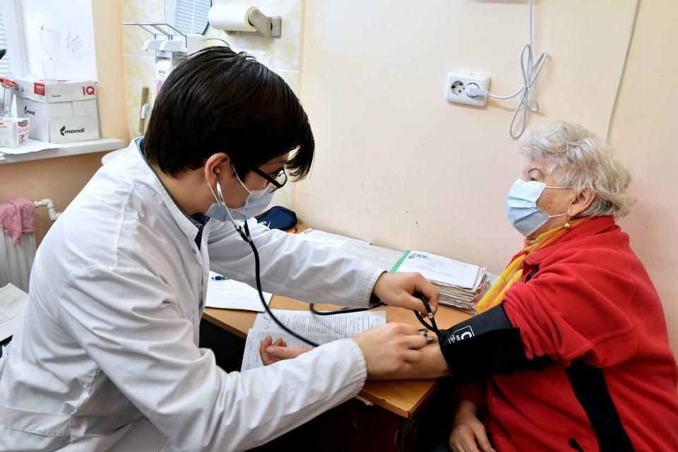 Вакцинировать нужно больше 100 тысяч человек в месяц