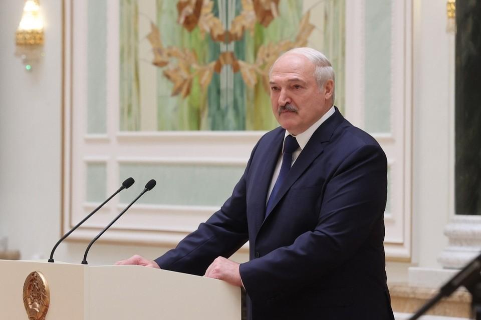 Лукашенко еще готовит доклад, с которым выступит на ВНС. Фото: БелТА.