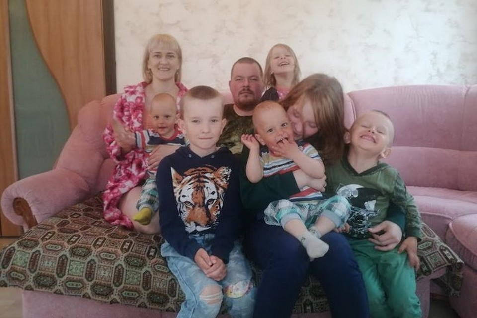 Татьяна с мужем Андреем воспитывают шестерых детей.