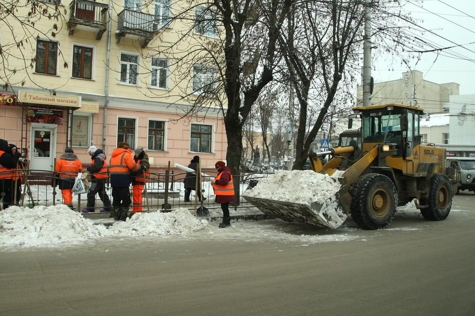 Рассказываем, как проходит вывоз снега в городе.