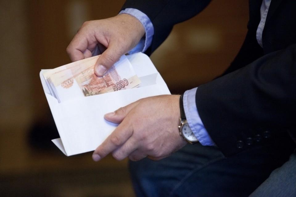 Инспектор ДПС в Приморье подозревается в посредничестве при даче взятки