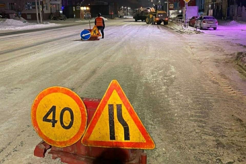 За ночь дорожники вывезли с улиц несколько тысяч тонн снега. Фото: комитет дорожного хозяйства Челябинска