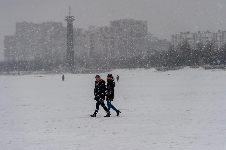 Температура воздуха в воскресенье в Петербурге будет более-менее уютной.
