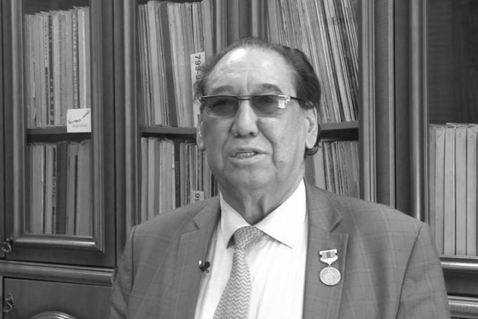 Шомишбай Сариев — обладатель премии «Тарлан». Заслуженный деятель Казахстана.
