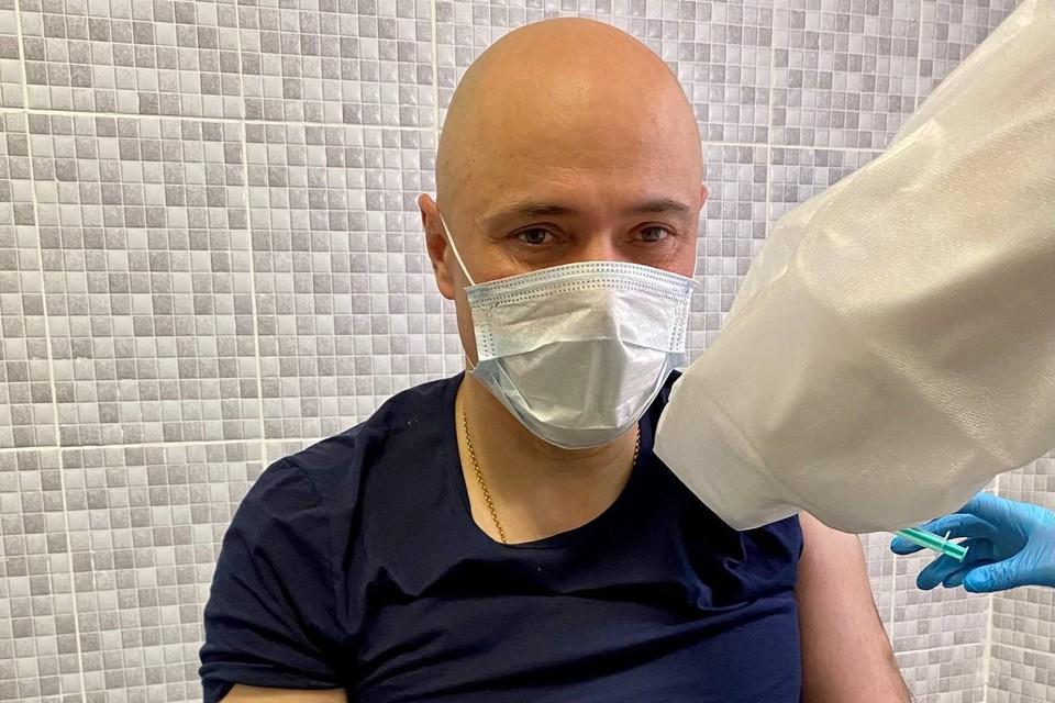 Игорь Артамонов привился от коронавируса