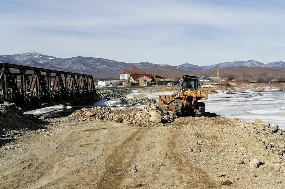 Окончание строительства нового моста через реку Соколовка в Приморье намечено на 2022 год. Фото: АО «СПЕЦСУ»