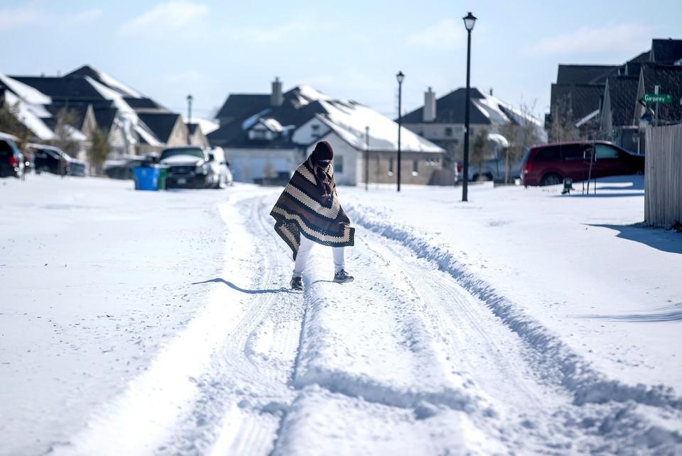 Число жертв морозов и снегопадов на юге США возросло до 34