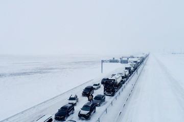 Аксенов: подрядчик, ответственный за уборку «Тавриды» от снега, не справился с ситуацией